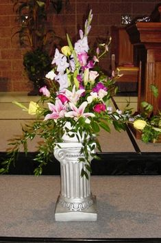 wedding ceremony flower arrangements flower arrangements information and images for a wedding ceremony