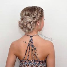 40 Homecoming Hairstyles for Long Hairstyles in 2019 Homecoming despite the fact that it is a less formal occasion regardless you will need to parade a chic homecoming haircut. Your hair updos do need t. Long Hairstyles - August 03 2019 at Updos For Medium Length Hair, Medium Hair Styles, Short Hair Styles, Prom Hair Medium, Medium Hair Updo, Hair Styles For Prom, Medium Length Wedding Hair, Dance Hairstyles, Wedding Hairstyles