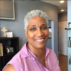 Gray & Gorgeous - Beautiful Black Women Slaying Gracefully In Gray Hair African Natural Hairstyles, Short Hairstyles For Women, Hairstyles Haircuts, Black Hairstyles, Short Haircuts, Curly Hair Styles, Natural Hair Styles, Short Grey Hair, Stylish Hair