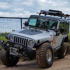 #TuckedTuesday  www.jeepbeef.com  _____  #JeepBeef #jeep by @josh_koenig94 #Padgram