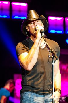 Concert Photos: Trace Adkins, Steve Azar, Gunnar & the Grizzly Boys and Kari Lynch at the Ionia Free Fare Country Jam. Country Jam, Best Country Music, Country Music Artists, Country Singers, Country Girls, Trace Adkins Songs, Finger Exercises, Good Morning Quotes For Him, Good Ole