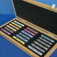 Jack Richeson Soft Pastels Assorted Set of 18 in a Wooden Box