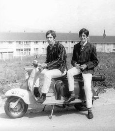 Mods on Scooter Retro Scooter, Lambretta Scooter, Scooter Girl, Vespa, Fred Perry Polo Shirts, Youth Subcultures, Mod Girl, Slim Fit Chinos, 60s Mod