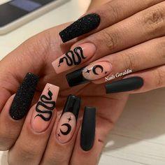 Holloween Nails, Halloween Acrylic Nails, Cute Halloween Nails, Halloween Nail Designs, Best Acrylic Nails, Aycrlic Nails, Sexy Nails, Black Nails, Cute Acrylic Nail Designs