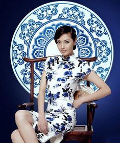 blue and white porcelain : chinese new year Chinoiserie, Traditional Fashion, Traditional Dresses, Asian Style, Chinese Style, Chinese Fashion, Asian Woman, Asian Girl, Asian Ladies