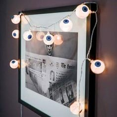 Are you in trouble to create a better atmosphere of Halloween? This 10 LEDs spooky eyeballslight is your best choice.