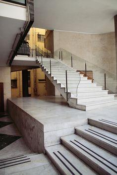 Casa detta il Girasole, Rome Luigi Moretti, 1949 Photographyed by trevor. Luigi, Bauhaus, Stair Handrail, Railings, Art Deco, Stairways, Design Process, Interior Architecture, Interior Design