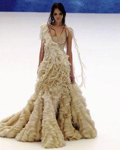 McQueen Hobo Chic Alexander Mcqueen Savage Beauty d0e47543f444c