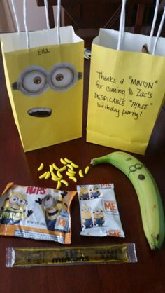 Minion themed goodie bags Minions Birthday Theme, Minion Theme, 5th Birthday Party Ideas, Third Birthday, First Birthday Parties, First Birthdays, Minion Party Bags, Despicable Me Party, Party Time