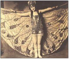 Dell O'Dell female woman magic magician