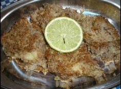 Receita de Quibe de Batata - quibe quente, cortado da maneira que preferir e acompanhado da salada de sua...