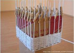 Clases magistrales: cómo tejer cestos con periódicos | diarioartesanal