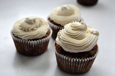 carrot cake cupcakes | Eat the cookie!