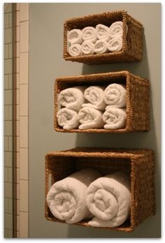 12 DIY Hacks To Create Your Dream Apartment buy a three set of baskets and hang on the bathroom wall as towel storage Diy Hacks, Home Projects, Projects To Try, Diy Casa, Baskets On Wall, Hanging Baskets, Basket Shelves, Wicker Baskets, Storage Baskets