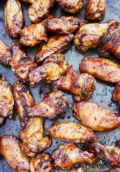 Irresistible, smoky, crispy and addictive chicken wings on the grill. Marinated in olive oil, herbs and soy sauce. Lip-smacking delicious!