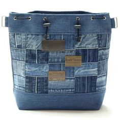 Jeans & Denim: Recycled, Upcycled and Repurposed by ruth Sacs Tote Bags, Denim Tote Bags, Denim Purse, Diy Jeans, Artisanats Denim, Jean Purses, Denim Handbags, Denim Ideas, Recycled Denim