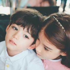 Ideas for beautiful children models Cute Baby Couple, Cute Baby Boy, Cute Little Baby, Cute Couples, Cute Asian Babies, Korean Babies, Asian Kids, Cute Babies Photography, Children Photography