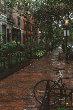 CALM my SOUL - Boston in Rain. Looks like you've got mail street Autumn Aesthetic, City Aesthetic, Travel Aesthetic, Nature Aesthetic, Workout Aesthetic, Aesthetic Dark, Usa Tumblr, Rainy Days, Rainy Night