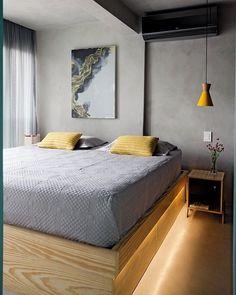 E por último, mas não menos importante, o quarto!! 🙃 A cama king foi desenhada para o ambiente e ganhou gavetões na parte inferior, iluminados por fita led. Ficou lindo, sim ou com certeza?? Nos vídeos do insta vou mostrar mais fotos desse ambiente e do closet pra vcs!! Chega lá e dá uma conferida 😉 by @casa100arquitetura #ahlaemcasa