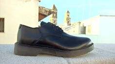Derby Shoes with Abrasivato black leather, made in italy, side view