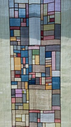 korean (I think) patchwork technic Korean Crafts, Patchwork Curtains, Fiber Art Quilts, Creative Textiles, Quilt Modernen, Contemporary Quilts, Korean Traditional, Fabric Manipulation, Fabric Art