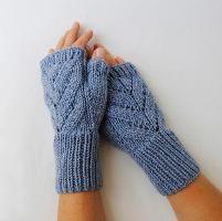 """""""Leaves"""" Fingerless Gloves - via @Craftsy"""