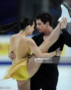 Canada's Tessa Virtue and Scott Moir perform their free dance program in the ice dance category during the ISU World Figure Skating Championships on April 30, 2011 in Moscow. Canada's Tessa Virtue and Scott Moir finished second. AFP PHOTO / ALEXANDER NEMENOV (Photo credit should read ALEXANDER NEMENOV/AFP/Getty Images)