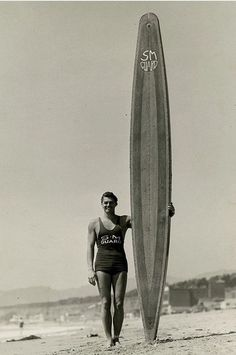 Johnny Weissmuller, 1933 Pictures Of People, Cool Pictures, Skate Style, Vintage Swimsuits, Arte Pop, Tarzan, Vintage Movies, Outdoor Projects, Beach Photos