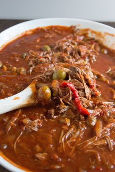 Ropa Vieja is made with a large cut of beef slow cooked in a tomato based sauce. The meat is so flavorful and tender and shreds so easily. Slow Cooker Recipes, Crockpot Recipes, Cooking Recipes, Healthy Recipes, Fast Recipes, Chili Recipes, Lunch Recipes, Summer Recipes, Dinner Recipes