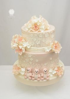 Vintage Blush Wedding Cake with Three Little Bears by Sugarpixy
