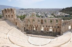 Athens, Greece // so gorgeous ughh. Cities In Europe, City State, In Ancient Times, World Traveler, Athens History, Places Ive Been, Life Is Good, Travel Destinations, Stuff To Do
