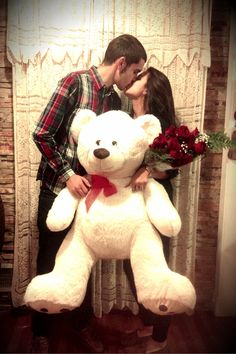 I wish I could get a giant teddy from my boyfriend..