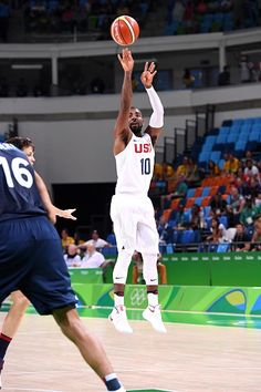 Kyrie Irving of the USA Basketball Men's National Team shoots the ball during…