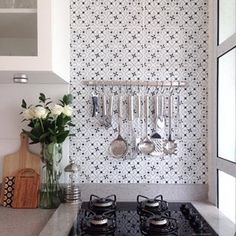 Que conchas mais organizadas, que paz interior que dá! | 14 imagens de lares minimalistas que vão te dar paz de espírito