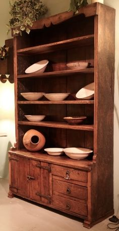 Antieke & replica kasten van de Almondehoeve in Oegstgeest