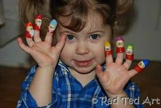 Super cute pretend play with these adorable mini finger puppet (as super frugal idea too!!)