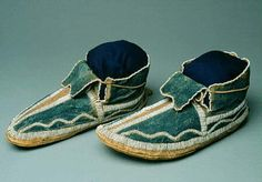 NativeTech: Native American Varieties of Moccasins - Arapaho Native American Crafts, Native American History, Native American Indians, Native Americans, Native American Moccasins, Beaded Moccasins, Fur Trade, Tribal People, Indian Heritage