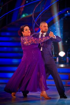 Lisa and Robin - Week 5 - Strictly Come Dancing Nov 2012
