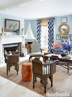 A Maine summer house living room. Design: John Knott and John Fondas  Just lovely.