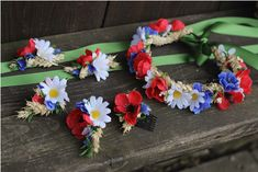 Folklórní náramek / Zboží prodejce hanacha | Fler.cz Origami, Floral Wreath, Wedding Inspiration, Wreaths, Weddings, Wedding Dresses, Decor, Art, Bride Dresses