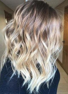 Best Sun-Kissed Blonde Balayage Hairstyles for 2018 hair color shades Blonde Balayage Highlights, Bronde Balayage, Hair Color Balayage, Blonde Color, Cool Blonde, Bronde Haircolor, Blond Ombre, Ombre Hair, Boliage Hair