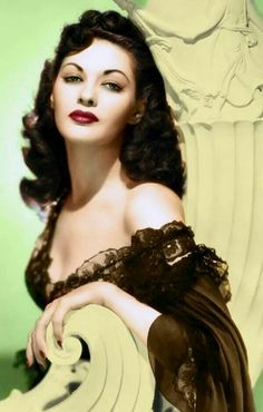 Yvonne De Carlo Canadian Actress Who Became A Major Hollywood Sex Symbol in the and Vintage Hollywood, Old Hollywood Glamour, Hollywood Actor, Vintage Glamour, Vintage Beauty, Hollywood Actresses, Classic Hollywood, Yvonne De Carlo, Jean Harlow