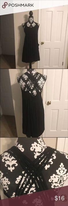 BLACK CALVIN KLEIN DRESS •VERY STRETCHY AND SOFT BLACK CALVIN KLEIN DRESS •VERY STRETCHY AND SOFT •HAS POCKETS •NO DAMAGE WEAR OR TEAR SMOKE FREE BUT PET FRIENDLY Dresses Midi