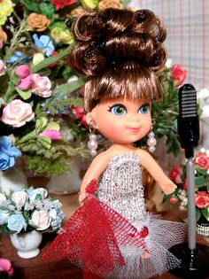 SPRINKLES AND PUFFBALLS: Liddle Kiddles: Tiny Little Dolls inside Cool Things ~ Glamorous Kiddle