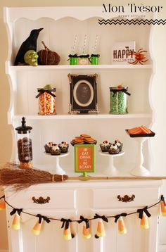 Halloween Candy Table by Mon Tresor