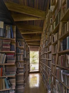Casa Kike - bookshelves were needed for 16,000 books