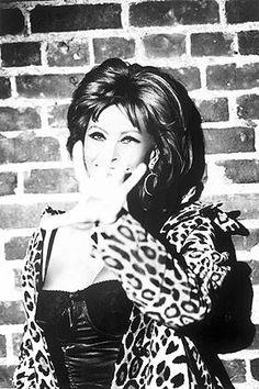 Sophia Loren in leopard coat