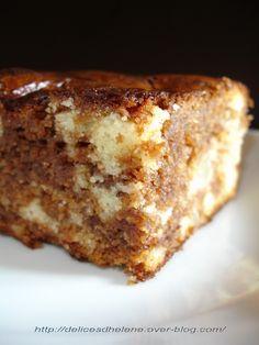 Un gâteau au yaourt ultra gourmand et riche en goût, trouvé sur Marmiton ... Pour 10 personnes 1 yaourt nature (brassé idéalement) 3 oeufs 1 sachet de levure 2 mesures de sucre 3 mesures de farine 1 mesure d'huile de tournesol 3 poires au sirop (ou 2...