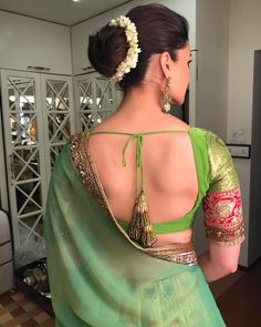 Flattering Saree Blouse Sleeve Designs Of This Year Sari Blouse Designs, Saree Blouse Patterns, Saree Hairstyles, Indian Hairstyles, Indian Designer Outfits, Designer Dresses, Saree Look, Bollywood Celebrities, Indian Celebrities