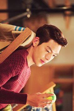Kim Woo Bin- the heirs Choi Jin Hyuk, Kang Min Hyuk, Kim Woo Bin, Korean Actresses, Korean Actors, The Heir, Korean Tv Series, Uncontrollably Fond, W Two Worlds